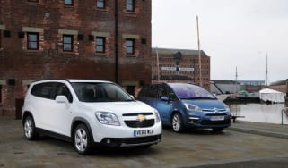 Chevrolet Orlando vs Citroen Grand C4 Picasso