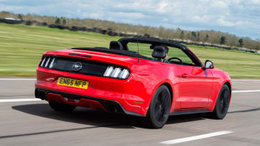 Ford Mustang 2.3 Convertible - rear