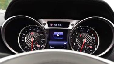 Mercedes SL 400 - dials