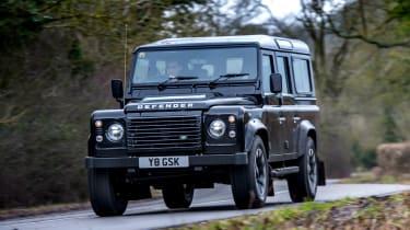 Land Rover Defender Works V8 - front tracking