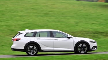 Vauxhall Insignia Country Tourer - side