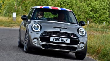MINI Cooper S - front action