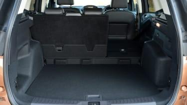 Ford Kuga Titanium 2.0 TDCi boot seats down