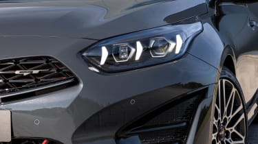 Kia Proceed facelift - front light