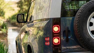 Defender Hard Top - rear lights