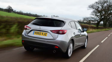 Mazda 3 hatchback 2016 SKYACTIV Diesel - rear tracking