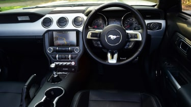 Convertible megatest - Ford Mustang - interior