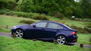 Lexus IS 300h LT side