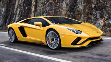 Fastest production cars in the world - Lamborghini Aventador