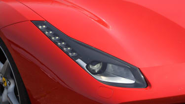 Ferrari 488 GTB 2016 - headlight