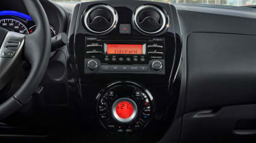 Nissan Note Black Edition - dashboard