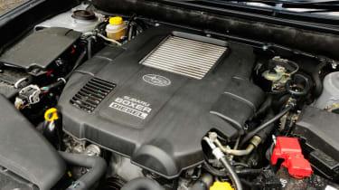 Subaru Outback 2.0D SE NavPlus engine