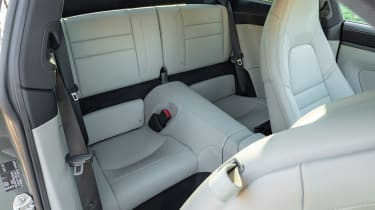 Porsche 911 Carrera - rear seats