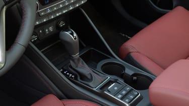 Hyundai Tucson - gear lever