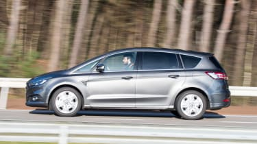 Ford S-Max AWD - side