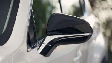 Lexus NX 300h Sport - mirror