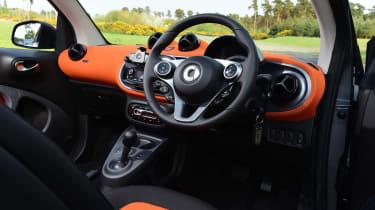 Convertible megatest - Smart ForTwo Cabrio - interior