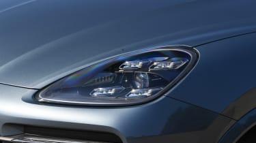 Porsche Cayenne S - front light