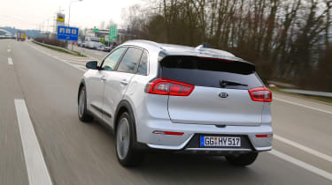 Kia Niro 2016 review - rear tracking 2