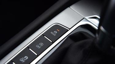 Volkswagen Passat Alltrack - transmission buttons