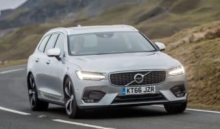Volvo V90 R-Design 2017 - front cornering