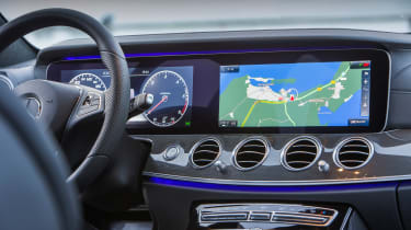 Mercedes E-Class Estate 2016 - dashboard