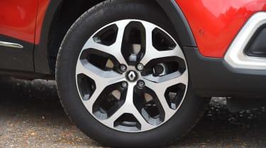 Renault Captur - wheel