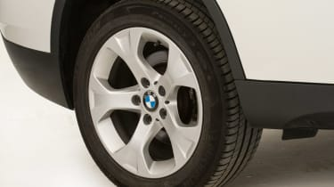 BMW X1 Mk1 - wheel detail