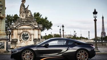 BMW i8 Ultimate Sophisto Edition - side