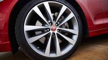 Jaguar XJ R-Sport 2015 wheel