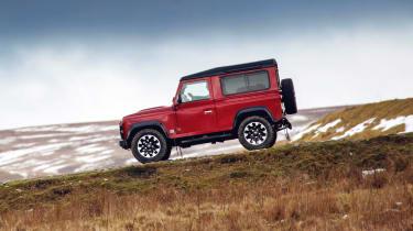 Land Rover Defender Works V8 - side action