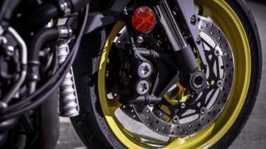 Yamaha MT-10 review - front wheel package