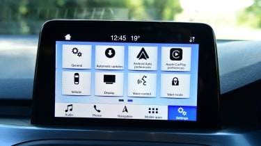 Ford Focus Active - screen