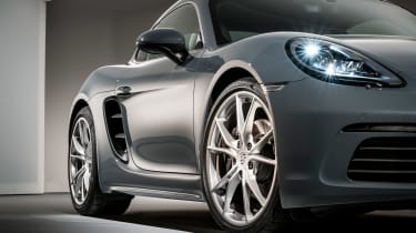 Porsche 718 Cayman - front close-up