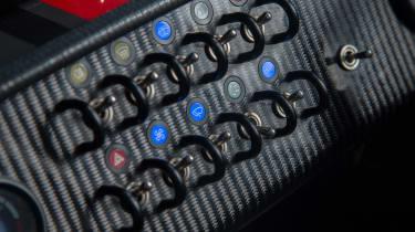 Caterham Seven 620S - switches