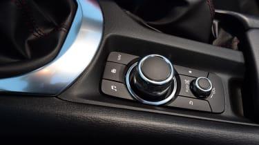 Mazda MX-5 RF 2017 - centre console