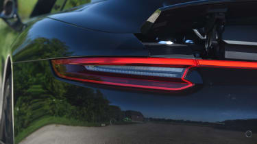 Porsche 911 Targa GTS - rear light