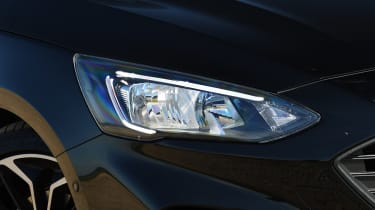Ford Focus - front light