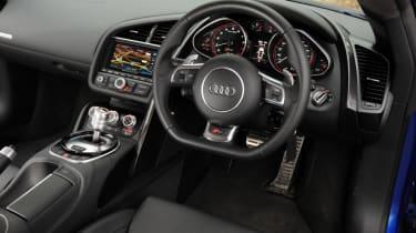 Used Audi R8 - dash