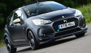 DS 3 Performance Cabrio 2016 - front cornering
