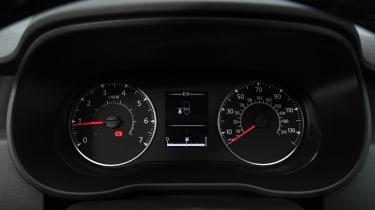 Dacia Duster - dials
