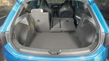 SEAT Leon Cupra 290 2016 UK - boot seats down
