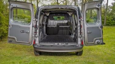 Nissan NV250 L2 rear doors