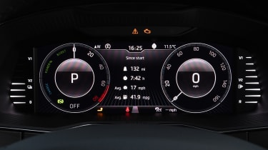 Skoda Superb iV Estate - dials