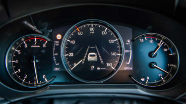 New Mazda 6 2018 facelift review dials