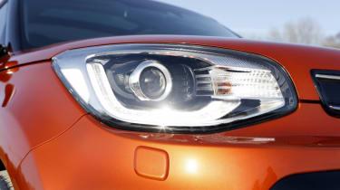 Kia Soul Sport - headlight