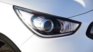 Kia Niro Plug-in Hybrid - front light