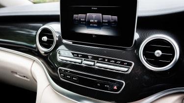 Mercedes V-Class Marco Polo - centre console