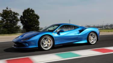 Ferrari F8 Tributo - side action