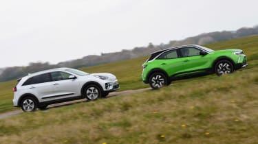 Vauxhall Mokka-e vs Kia e-Niro - side